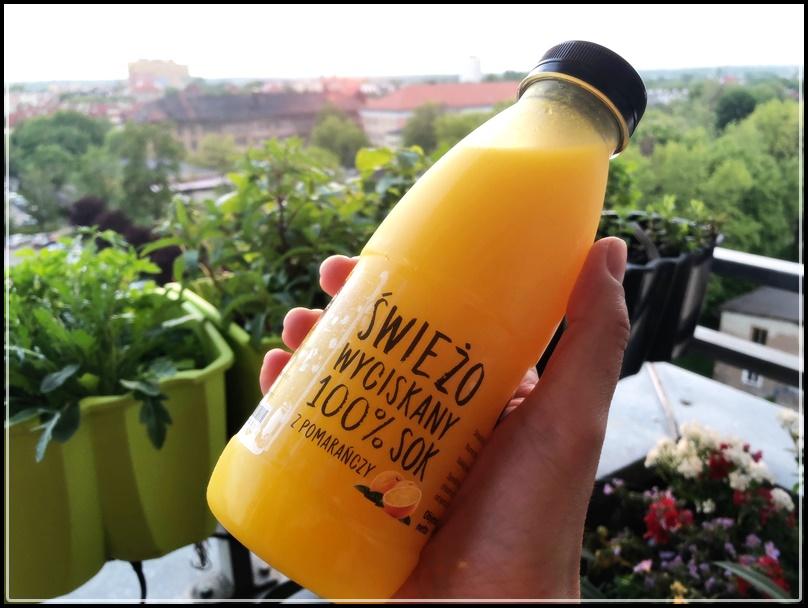 Kobiece hity / Wrocław Kobiecym Okiem / sok pomarańczowy