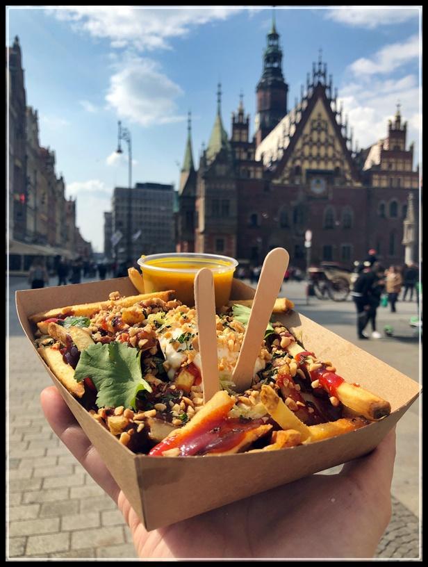 Frytki + sos / Wrocław Kobiecym Okiem